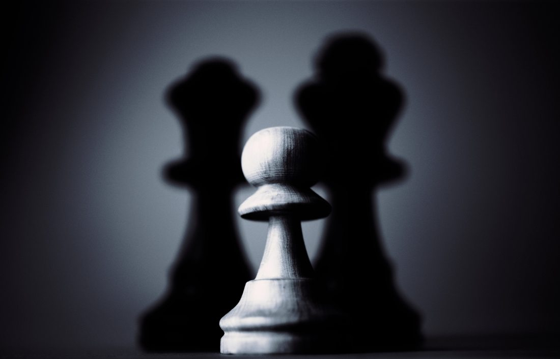 black-and-white-chess-dark-136351