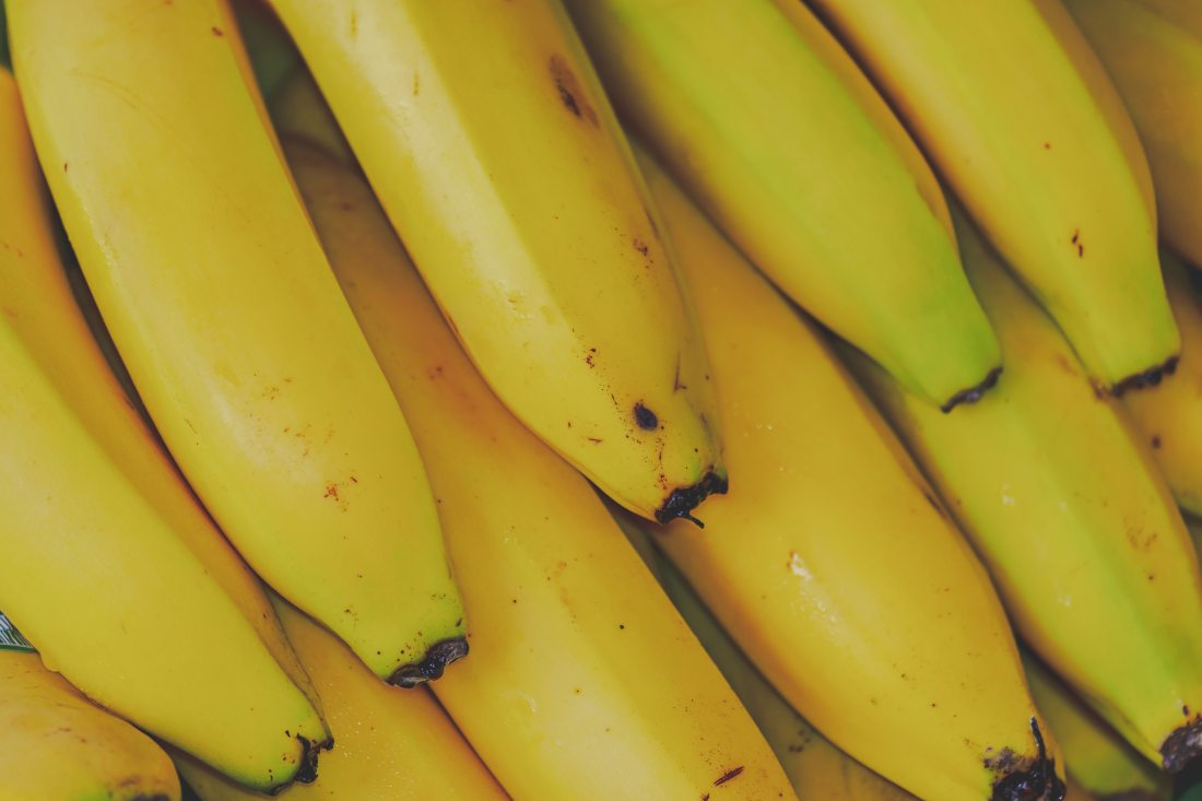 banana-bunch-close-up-2316466