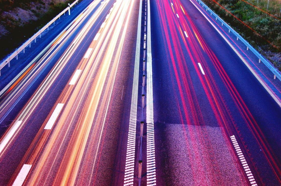 asphalt-blur-cars-commuting-399636